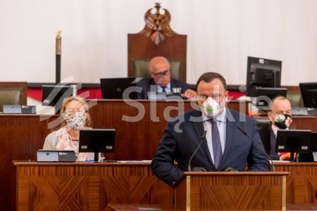 XX sesja Sejmiku Woj. Slaskiego. N/z marszalek Jakub Chelstowski.