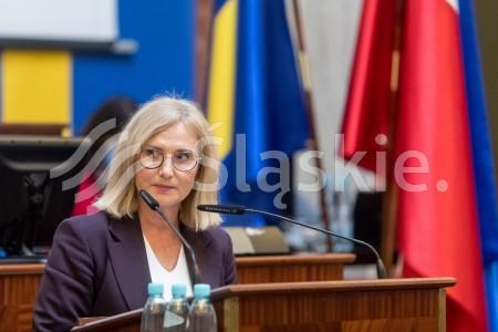37 sesja Sejmiku Woj. Slaskiego. N/z radna Urszula Koszucka.