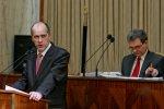 5 sesja IV kadencja Sejmiku Wojewodztwa Slaskiego. Na mownicy marzsalek Adam Matusiewicz