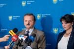 60, ostatnia sesja Sejmiku Woj. Slaskiego 5 kadencji. N/z przewodniczacy Stanislaw Gmitruk i radna Danuta Kozusznik.