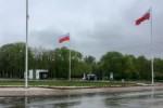 Bialo-czerwone flagi w Parku Slaskim.