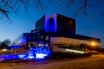 Akcja: Light it blue - 2 kwietnia Swiatowy Dzien Wiedzy na temat Autyzmu. N/z Gmach Biblioteki Sl.