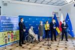 Przekazanie umowy dla Slaskiego Parku Technologii Medycznych Kardio-Med.Silesia na Centrum Badawcze Medycyny Spersonalizowanej i Bioregeneracji.